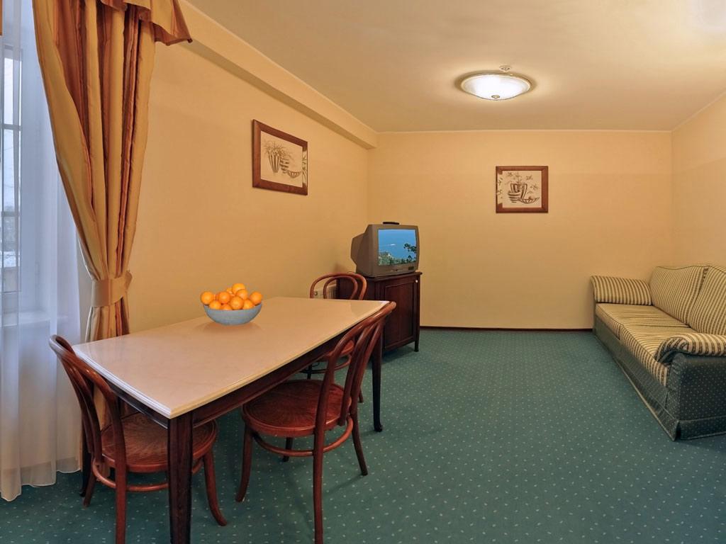 гостиница словакия саратов официальный